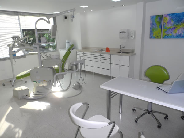 dentist dental tourism cartagena colombia